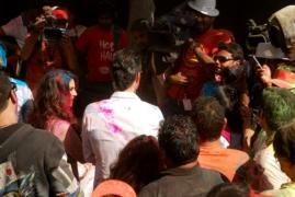 suraj-zoom-directing-sunny-leone-her-husband